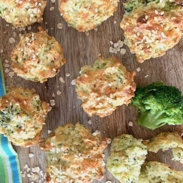 broccoli muffins on wooden boar